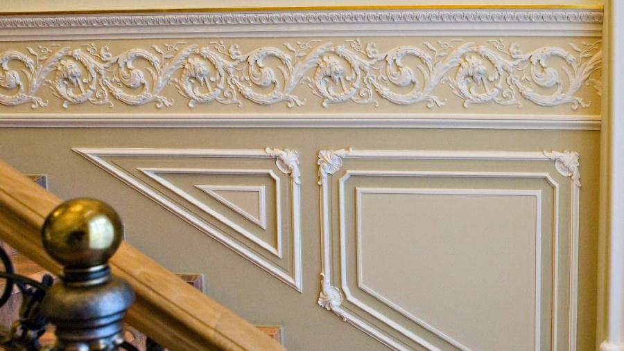 Элементы гипсового декора в оформлении современного дома