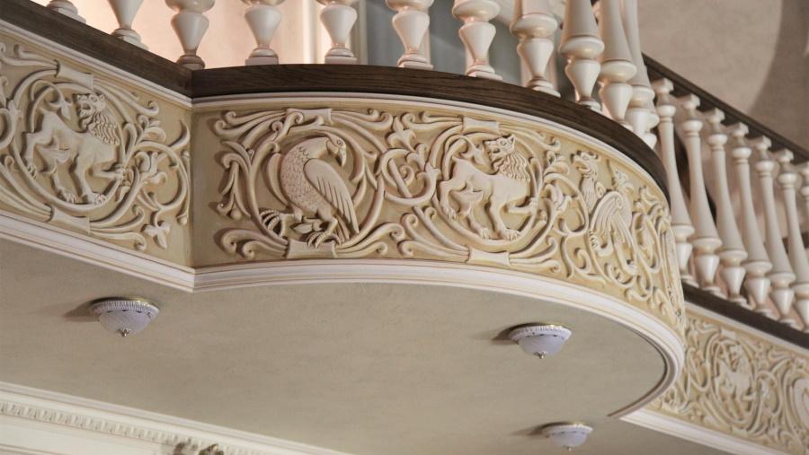 Элементы гипсового декора в интерьерах и экстерьерах